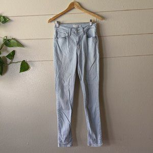Levi's High Rise Light/Wash Blue